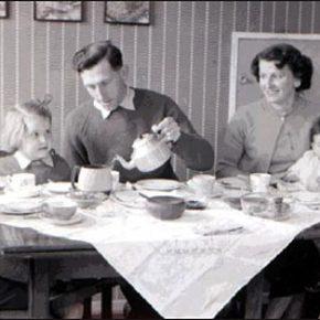 Refeições familiares ajudam a resolver problemas –PÚBLICO